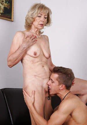 tanned lesbian voyeur jpg 300x429